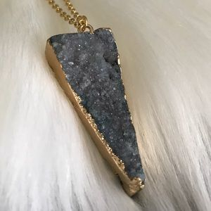 Jewelry - Natural Druzy Agate Necklace
